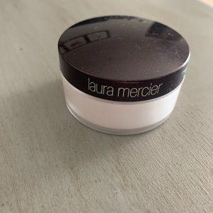 Laura Mercier Eye Brightening Powder 💡❤️